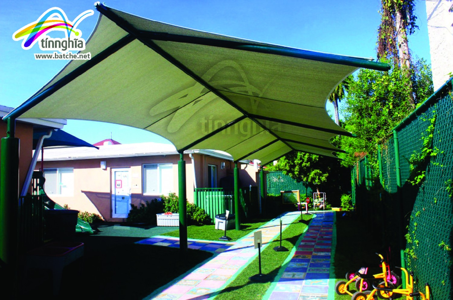 Triagle Shade Sails for School